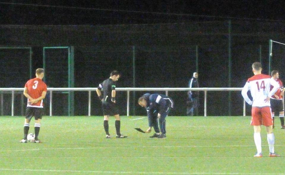 Fútbol: risita enorme de Amy Macdonald